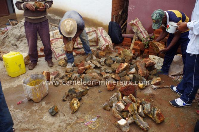 Triage et achat du jaspe orbiculaire brut